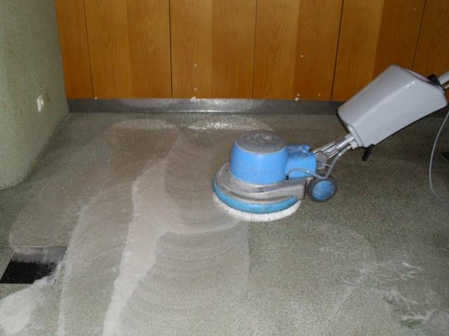 Renovácia strojovým čistením podlahy Košice